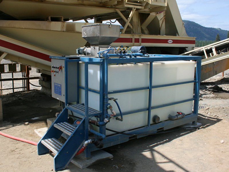 A polymer mixing unit at an aggregate production site.